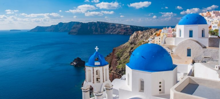 Mykonos or Santorini? What you need to know
