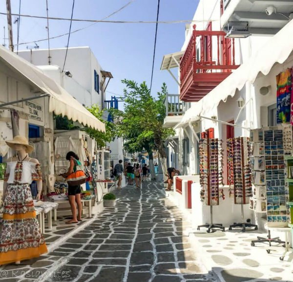 Mykonos or Santorini? What you need to know | kasiawrites