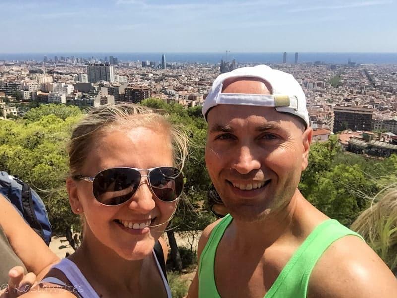 couple overlooking barcelona