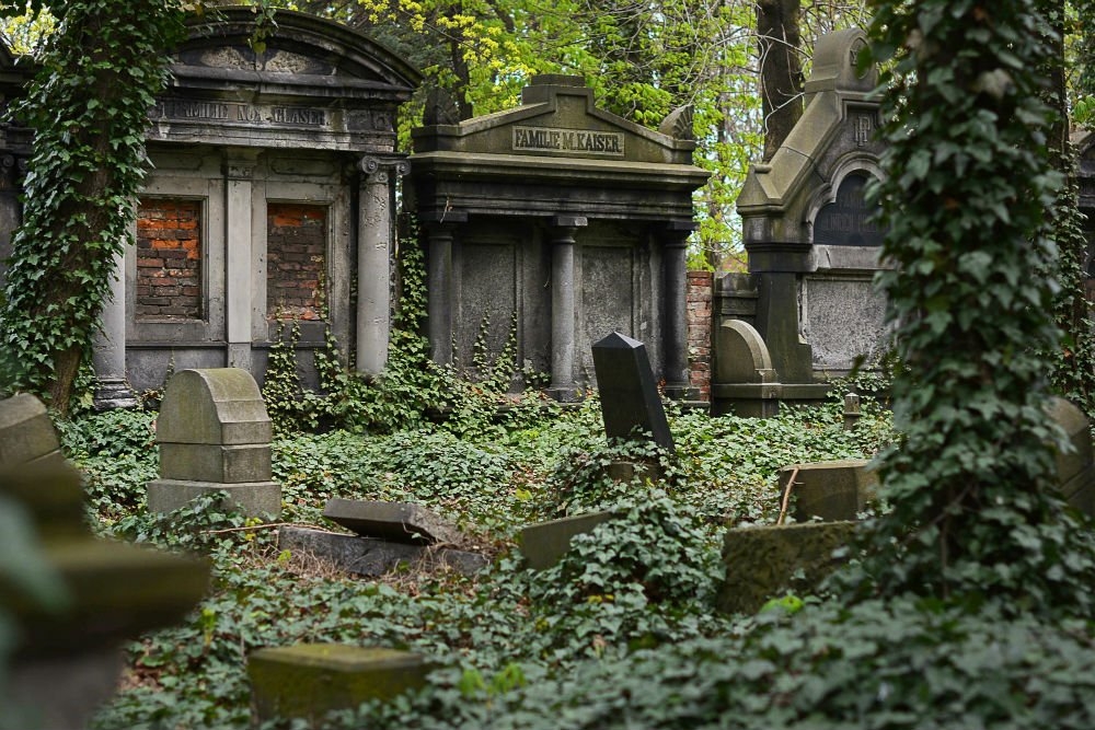 The Intriguing Pere Lachaise Cemetery And What To Expect