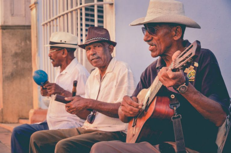 A super fun lesson with Cuban music artist in Havana | kasiawrites cultural travel