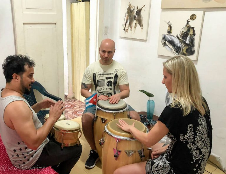 A super fun lesson with Cuban music artist in Havana