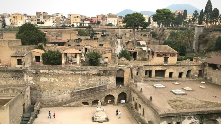 Ostia Antica & Herculaneum: 2 great alternatives to Pompeii