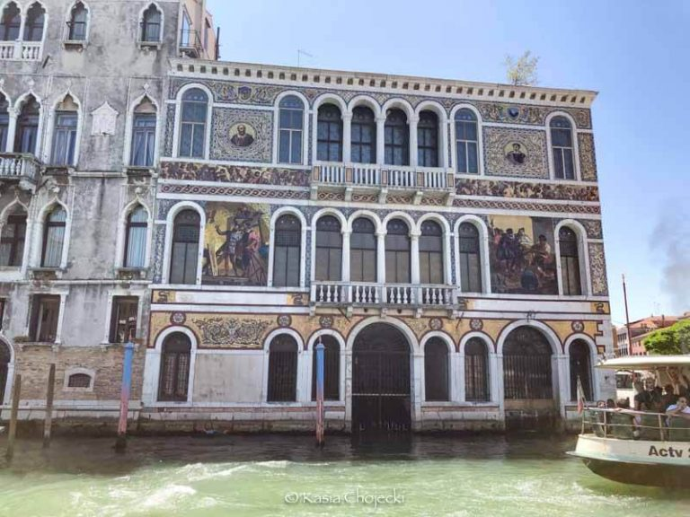 ornate exterior wall of a palazzo on the Grand Canal