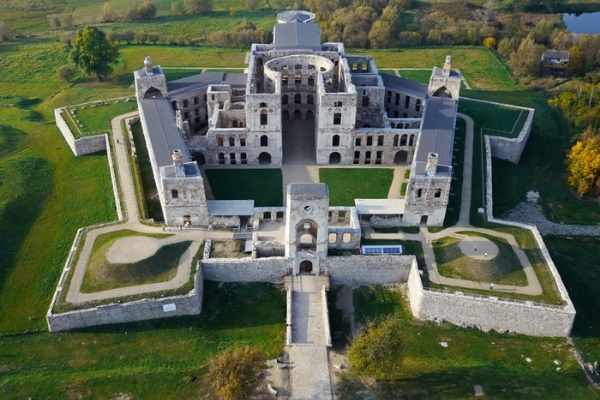 15 Stunning castles in Poland you should visit |